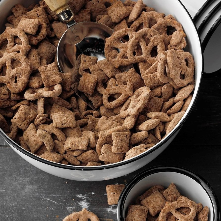 Pretzel Puppy Chow recipe