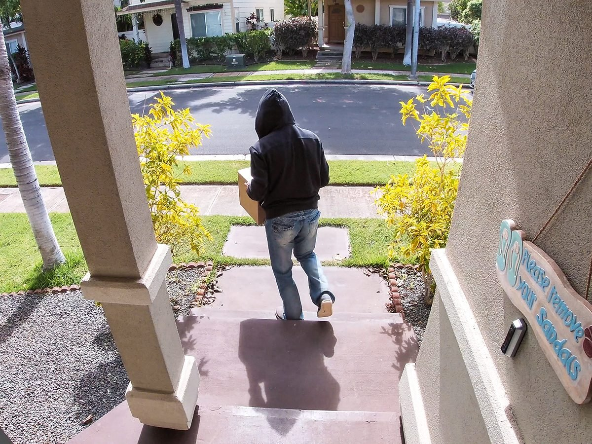 Outsmart porch pirates - man stealing packages from front door