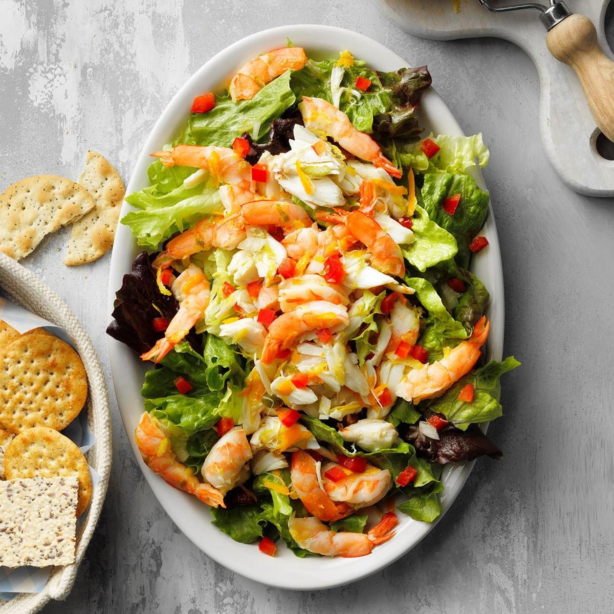 Easy Citrus Seafood Salad Exps Tohjj20 242786 E02 05 1b 1