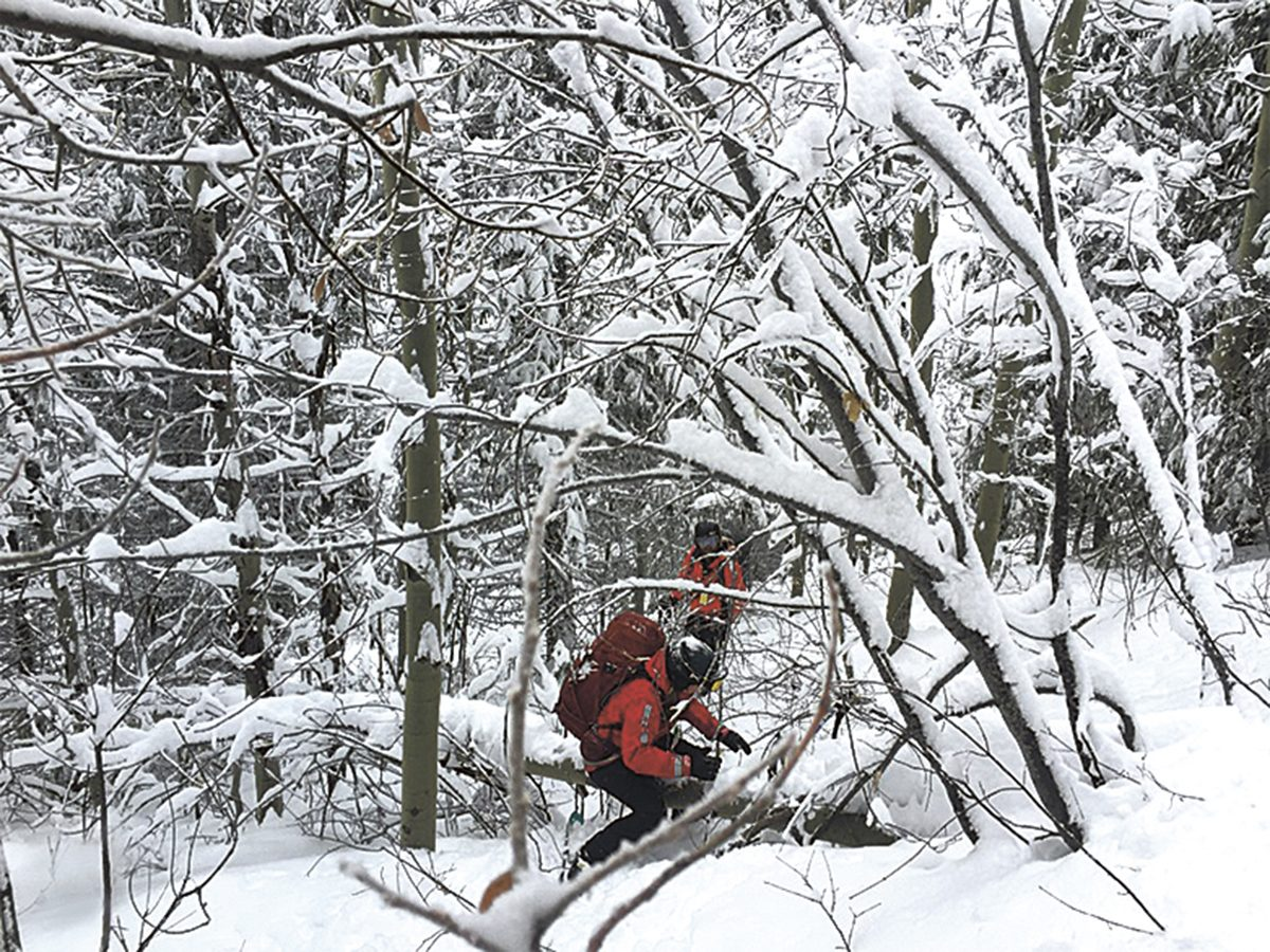 Bc Skier Lost On Red Mountain Rescue Team