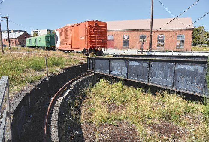 E&N Railway - Original Roundhouse Turntable