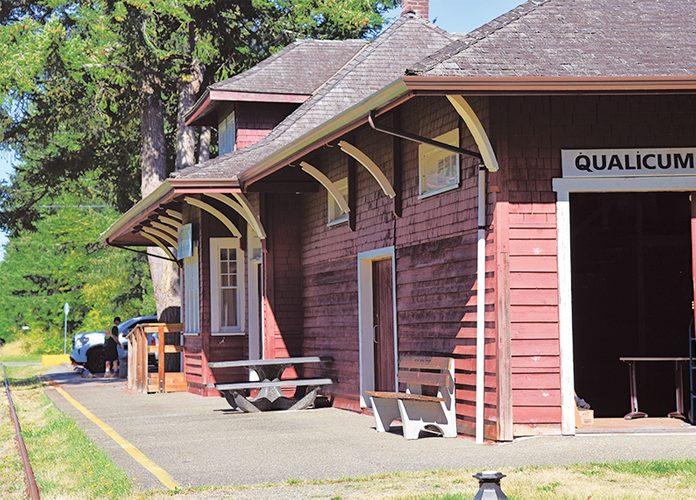 E&N Railway - Qualicum Beach Train Station
