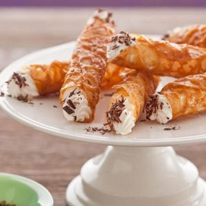 Lacy Brandy Snaps