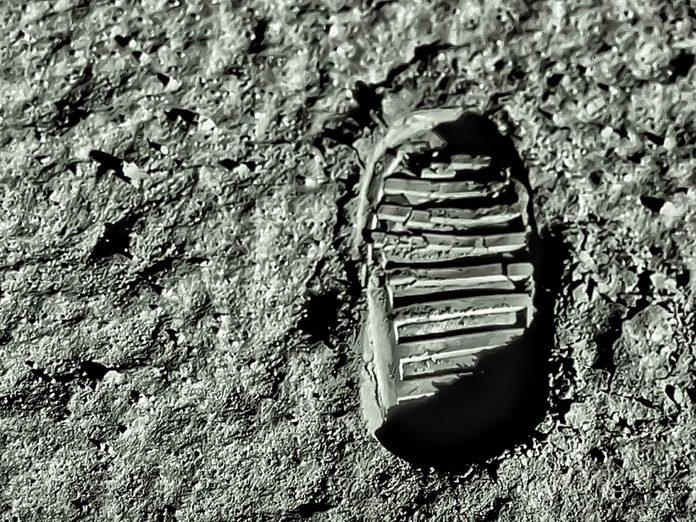 Earth Day Quiz - Buzz Aldrin Footprint on the Moon