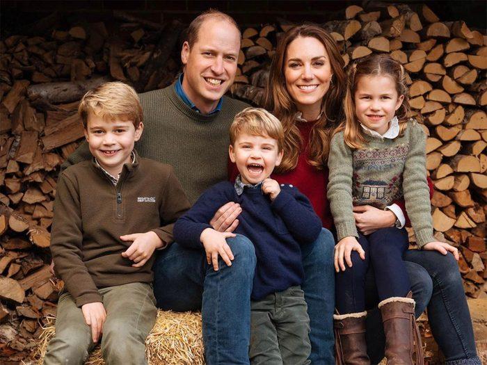 Queen Elizabeth Great Grandchildren - Duke And Duchess Of Cambridge's family
