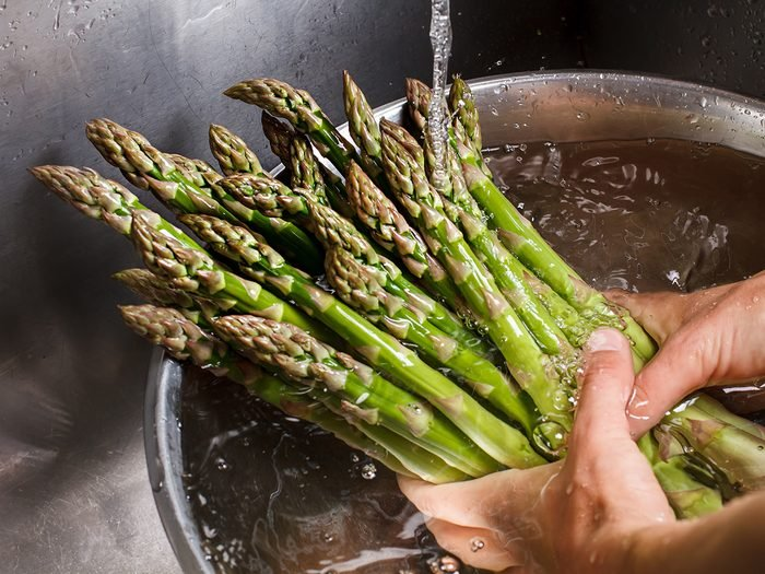 Why Does Asparagus Make My Pee Smell