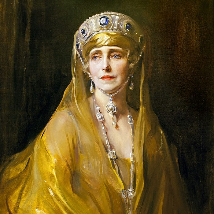 Royal memoirs - Queen Marie of Romania painting