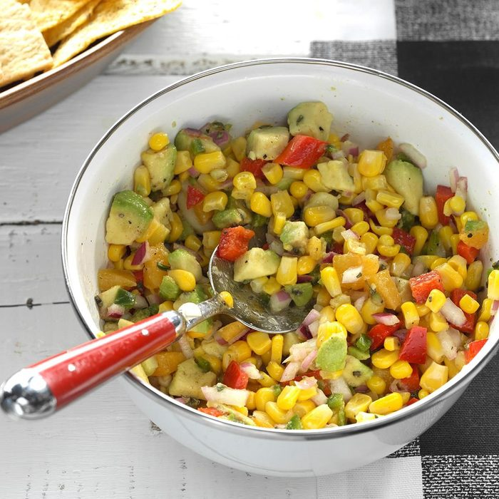 Healthy corn recipes - Fresh Corn Avocado Dip Exps Thjj17 177930 C02 03 4b 3