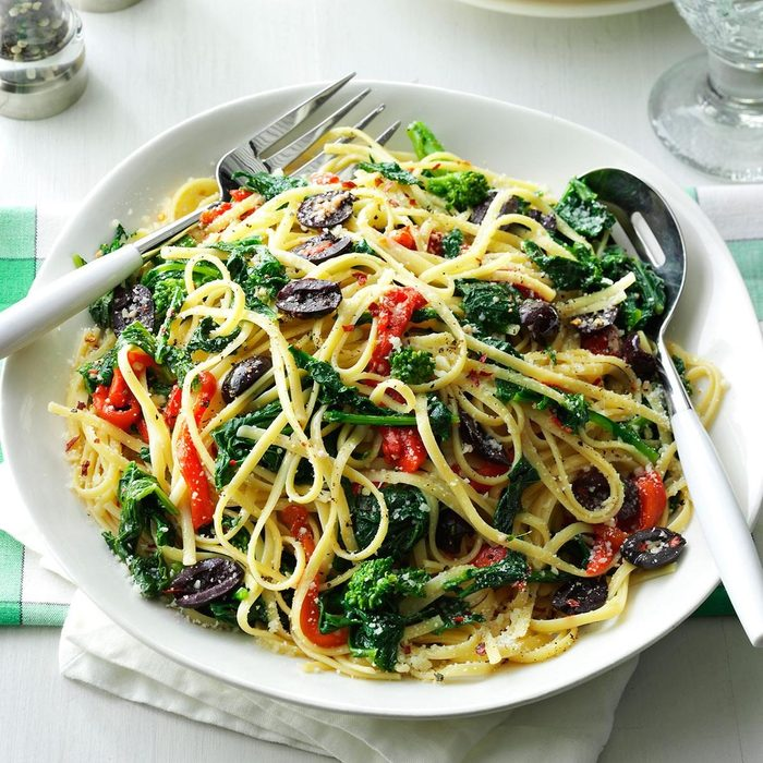 Summer Pasta Recipes - Linguine with Broccoli Rabe & Peppers