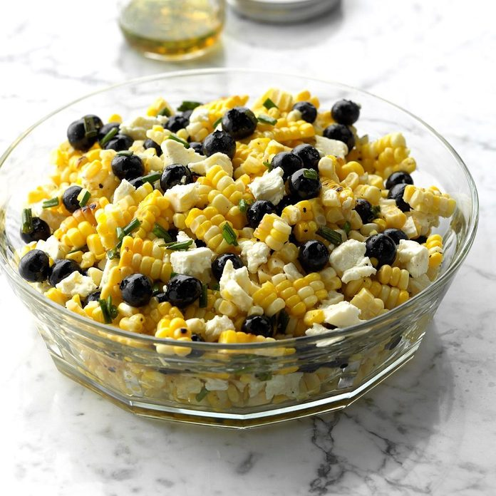 Healthy corn recipes - White Balsamic Blueberry Corn And Feta Salad Exps Thjj18 211893 C01 30 2b 2