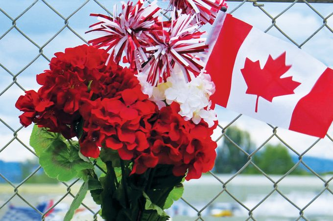 CF Snowbirds mourning fence