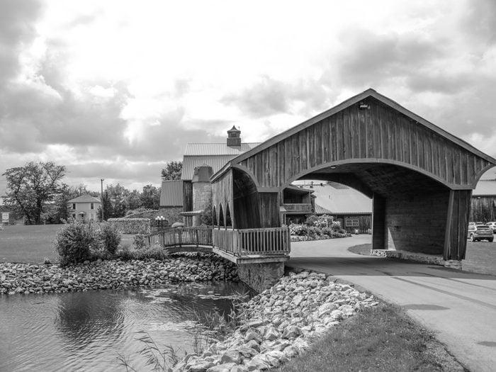 Covered Bridges - Hernder Winery Estates Bridge in St. Catharines, Ontario