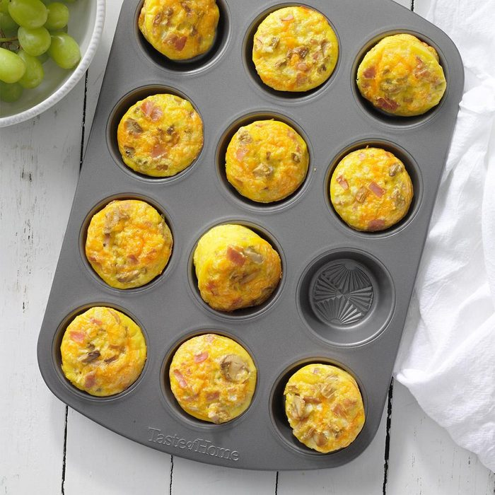 Muffin Tin Scrambled Eggs Exps Tohas21 67219 B04 14 5b
