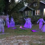 People Are Making Ghosts Out of Chicken Wire for Halloween—and You Can, Too!