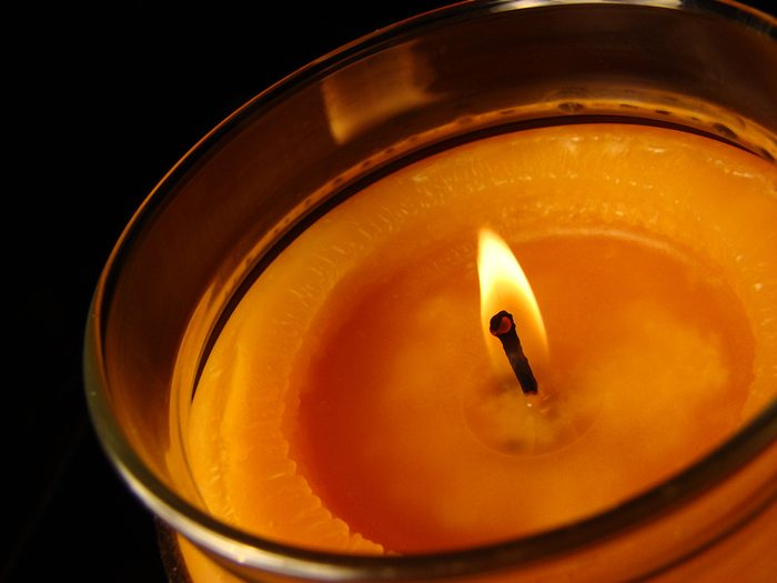 How to get candle wax out of a jar - lit candle