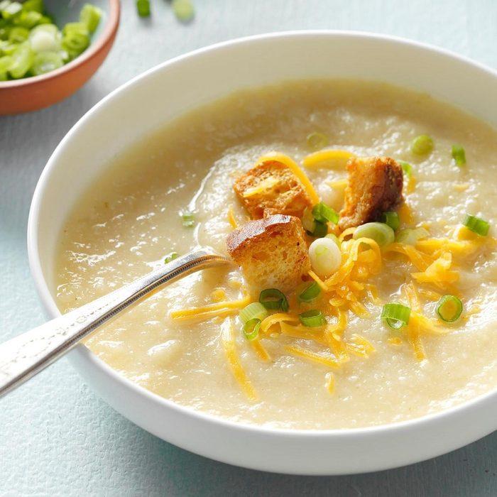 Pressure-Cooker Creamy Cauliflower Soup
