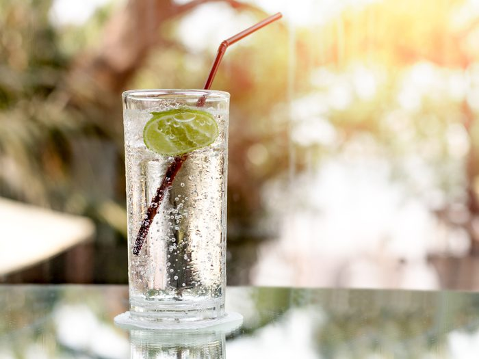Bloating - a glass of carbonated water