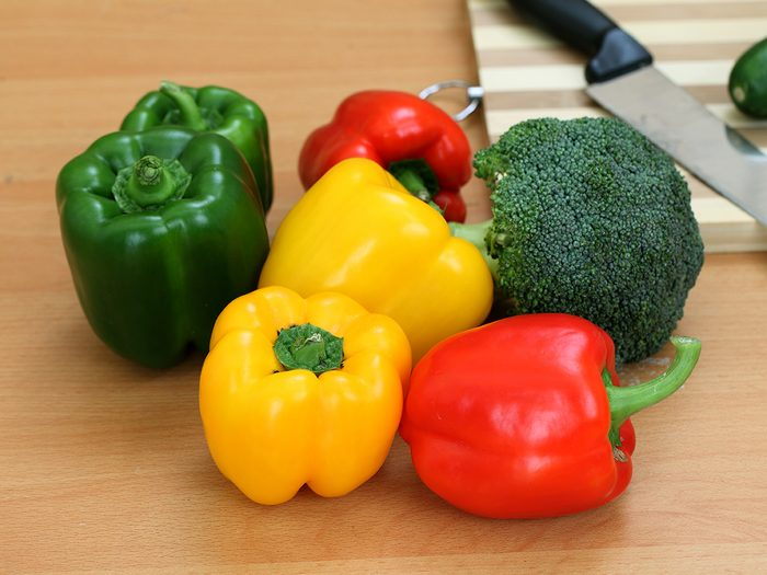 Natural remedies for bloating - broccoli and peppers